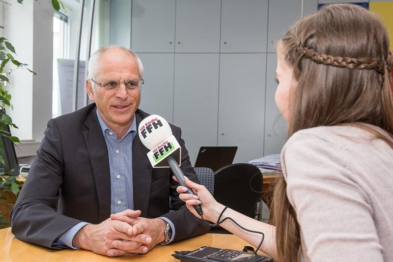 Bürgermeister Gerald Frank im Interview mit Hit Radio FFH.