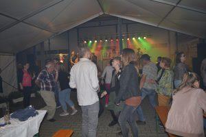 Volle Tanzfläche bei Rabaz. Foto: GM/mmr