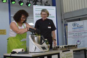 Was der Thermomix alles kann, zeigt das Team vom Kochtreff Münster um Rahel Wachtel.