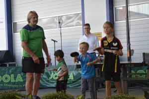 Bei einer Tischtennis-Vorführung der DJK zeigen schon die Kleinsten, was sei können.