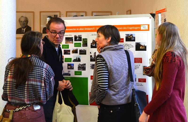 Beim Bürgerworkshop diskutierten die Teilnehmer intensiv über die Ortsentwicklung der Altstadt. Foto: GM