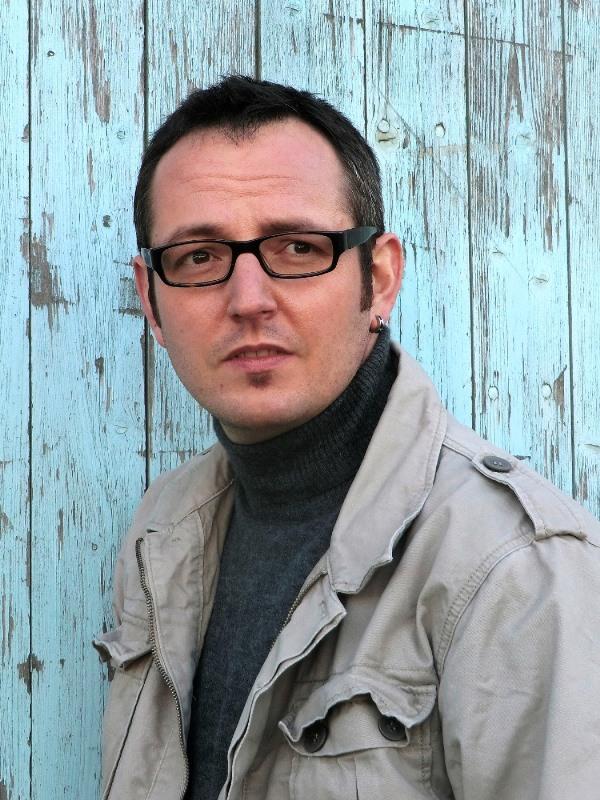 Bestseller-Krimi-Autor Daniel Holbe ist am 16. Juni beim Kultur-Open-Air im Freizeitzentrum dabei. Foto: Oliver Misof
