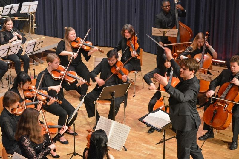 Das Beethoven Orchester Hessen. Foto: GM/Lena Brunn