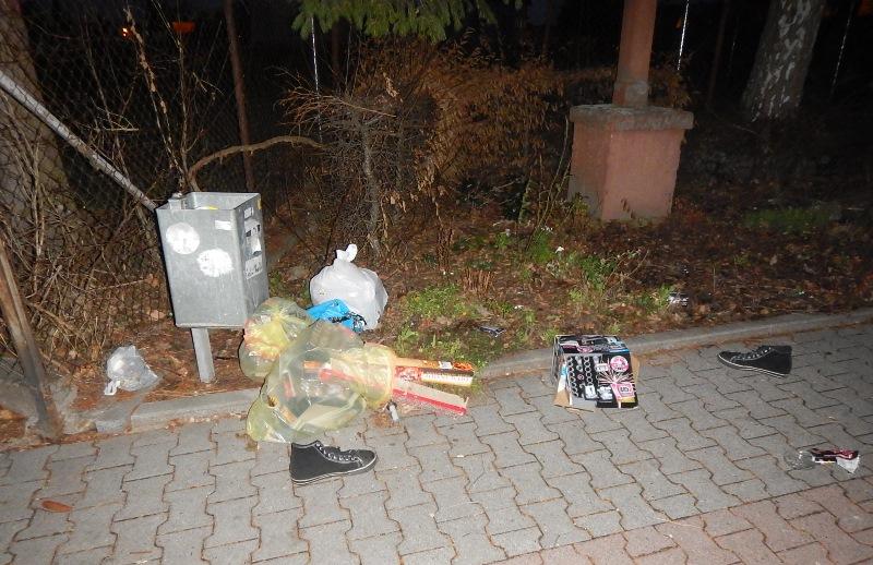 Auch 2019 wurde in der Silvesternacht viel Müll liegengelassen. Foto: Bauhof