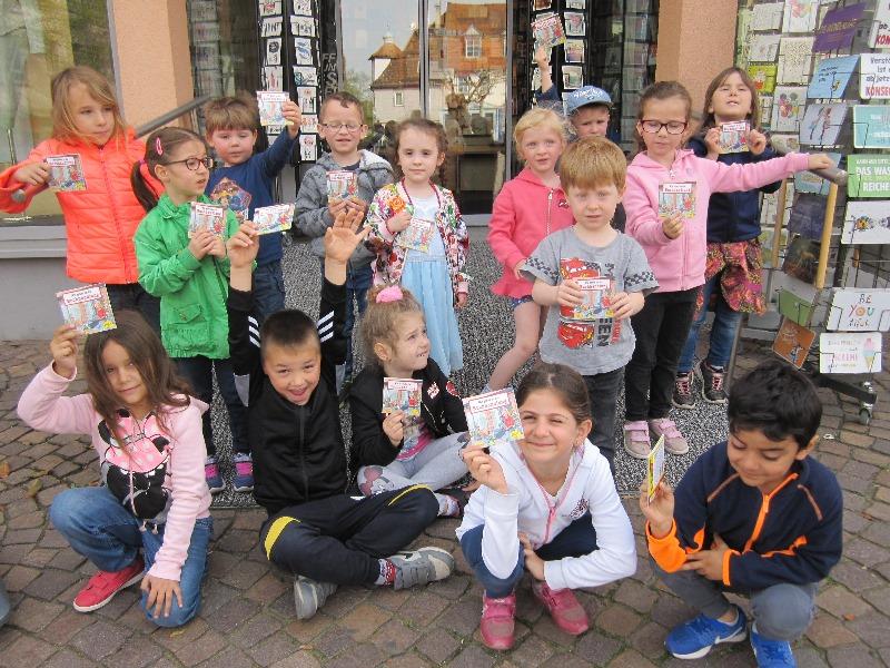 """Die Kinder vom """"Haus der Kinder"""" haben die Bücherinsel in Dieburg besucht. Foto: GM/Kita"""