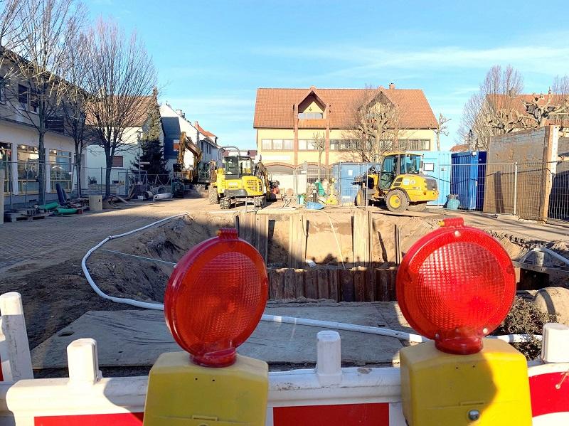 Die Kanal-Bauarbeiten in der Mozartstraße haben begonnen. Foto: GM/Mittmeyer-Riehl