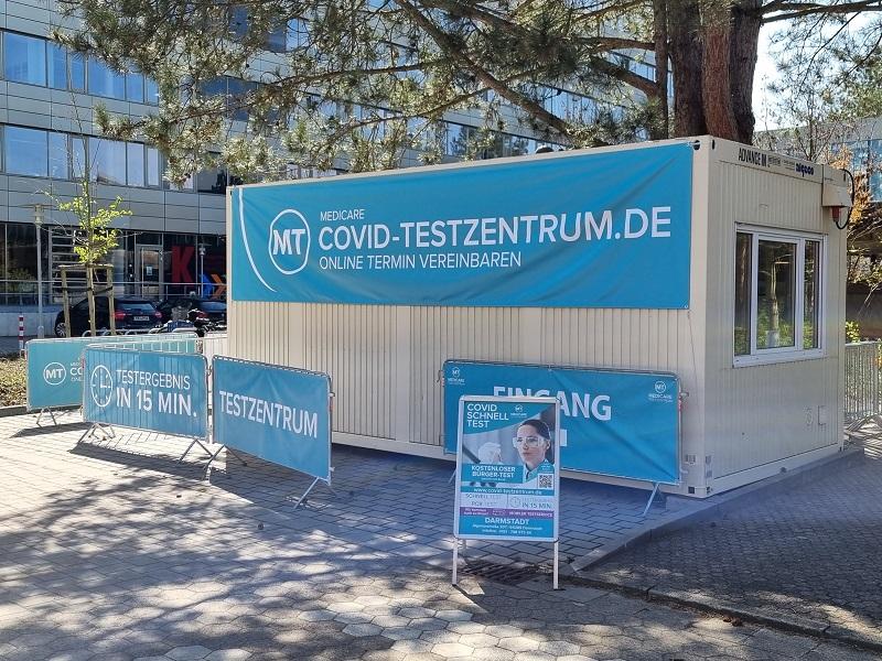 So ähnlich wie dieses Medicare-Testcenter in Dieburg wird auch das neue Testzentrum in Münster auf dem EDEKA-Parkplatz aussehen. Foto: Medicare/ Jacques Casez